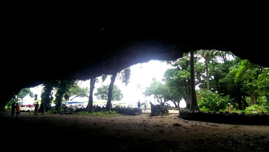 Caves, Ha'ena state park